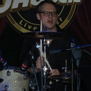 Stefan Neumann Vocals, bass & mandoline